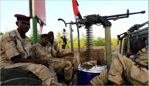 Photo of حكومة هادي تعلن انسحاب قوات سودانيّة من الساحل الغربي لليمن