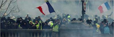Photo of خطة المعاشات الفرنسية  تزيد من الاحتجاجات العمالية