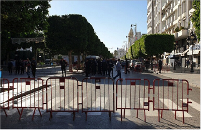 Photo of إما بشبهة الإرهاب أو الفساد منذ فرض حالة الطوارئ في البلاد 2015 مرصد حقوقي: 500 تونسي قيد الإقامة الجبريّة