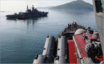Photo of مناورات بحرية مشتركة  بين روسيا والصين وإيران اليوم