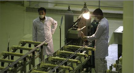 Photo of طهران تعلن امتلاك 60 طناً من الماء الثقيل  في مفاعل أراك