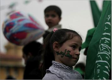 Photo of هدّدت بأسر المزيد من الجنود الصهاينة في مسيرتين حاشدتين في خانيونس وجباليا بذكرى انطلاقتها 32 حماس: جاهزون للانتخابات وإلى تعزيز الوحدة الوطنية
