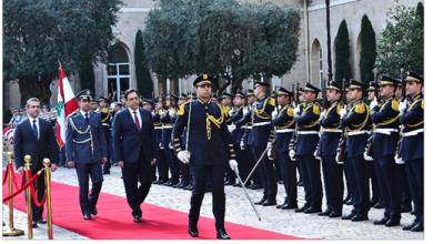 Photo of رئيس الحكومة من السرايا: إقالة حاكم «المركزي» غير واردة