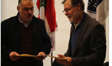 Photo of توقيع اتفاقية تعاون صحّية بين بلدية الغبيري ومستشفى الزهراء