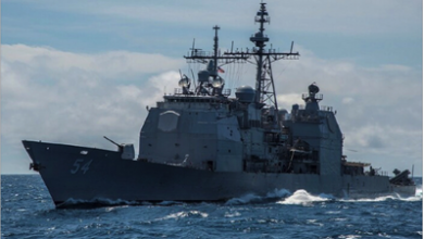 Photo of سفينة حربية أميركية  تعبر مضيق تايوان وبكين تحذّر