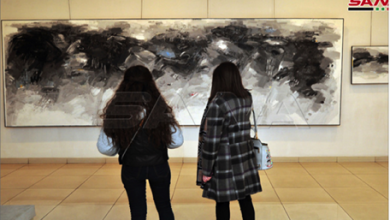 Photo of معرضٌ رباعيٌ في مركز الفنون البصريّة…  دمجٌ بين اللون والمعنى والحرب