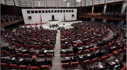 Photo of بعد إقرار البرلمان التركي إرسال قواتٍ عسكريةٍ .. مبادرة جزائرية للحلِّ في ليبيا ومصر تحذّر