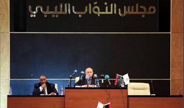 Photo of البرلمان الليبي سيستعين بالعرب حال التدخل التركي وغوتيريس يدعو إلى التهدئة وحفتر يوافق على الالتزام بوقف إطلاق النار والمشاركة في «مؤتمر برلين»