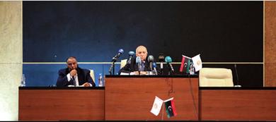 Photo of حكومة شرق ليبيا تقول لا يمكن إنهاء حصار حقول النفط بالقوّة النواب الليبيّ يتهم البعثة الأمميّة بتجاهل التساؤلات حول الحوار السياسيّ