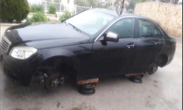 Photo of عمل تخريبي استهدف سيارة الرئيس السابق لبلدية بلاط ـ جبيل