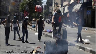 Photo of الفلسطينيّون يتصدّون لقوات الاحتلال في»العيساويّة» وإدخال 51 مسافراً إلى الحجر الصحيّ شرق رفح