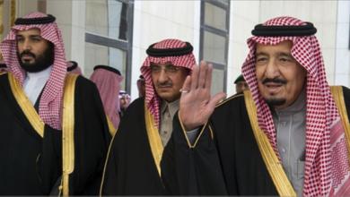 Photo of الملك سلمان وقّع شخصياً أمر اعتقال الأمراء الثلاثة بتهم الخيانة والاتصال بالأجنبيّ! أي دور لواشنطن في الانقلاب داخل العائلة المالكة السعودية؟