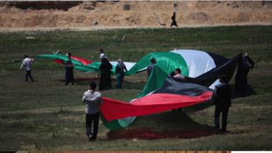 Photo of عريقات يرى أن عمليات التوسّع والاستيطان تبدأ بشق الطرق المالكي يدعو الأوروبيّين للاعتراف بدولة فلسطين