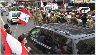Photo of تصعيد في الشارع وقطع طرق ومحتّجون يهدّدون القوى الأمنية