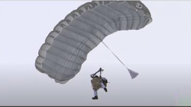 Photo of مظليّون روس يقفزون من علوّ 10 آلاف متر فوق القطب الشمالي