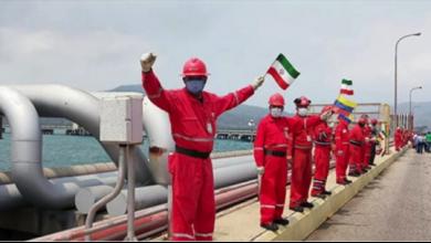 Photo of قرار تاريخيّ تتخذه فنزويلا وناقلة النفط الإيرانيّة الخامسة تصل إلى المياه الإقليميّة الفنزويليّة