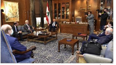 Photo of بري التقى السفير البريطاني وجمعية المصارف الغريب: تأخير التعيينات غير مبرّر