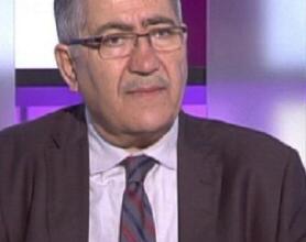 Photo of حسان دياب من وقار الأكاديميّة إلى الاحتراف السياسيّ
