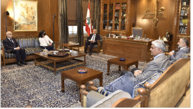 Photo of برّي عرض مع زوّاره الأوضاع  عبد الهادي: الفلسطينيون لن يكونوا إلاّ عامل استقرار في لبنان