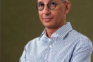 Photo of المؤرخ المصريّ خالد فهمي يحصد جائزة أفضل كتاب في التاريخ الاجتماعيّ