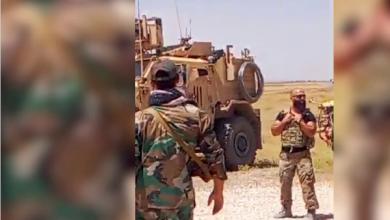 Photo of جندي سوري يتحدّى دوريّة للاحتلال الأميركيّ:  اخرجوا من بلادي فوراً.. الشعب يكره أميركا