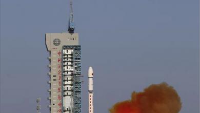 Photo of إطلاق قمر صناعيّ صينيّ بنجاح لدراسة البيئة الفضائيّة وفشل إطلاق صاروخ أميركيّ مع سبعة أقمار صناعيّة