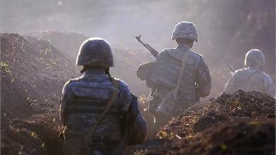 Photo of لافروف يبحث خفض التصعيد العسكريّ مع نظيره الأذربيجانيّ  وأرمينيا تؤكد  ضرورة محادثات السلام في النزاع مع أذربيجان