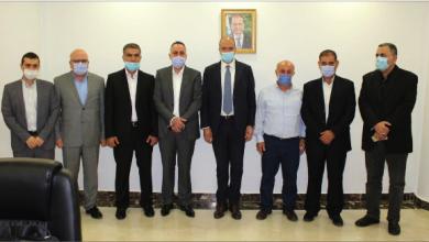 Photo of وزير الصحة حمد حسن يبحث مع «العهد»  إجراءات استضافته لـ «تصفيات كأس آسيا»