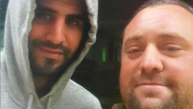 Photo of طردوه من عمله  بسب «سيلفي» مع محرز!