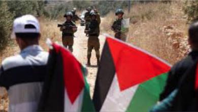 Photo of تجمّع أسر شهداء فلسطين يُطالب بتحقيق دوليّ بجريمة اغتيال الشهيدة سمودي
