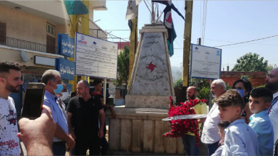 Photo of أكاليل زهر على نصب الإستشهادي علي غازي طالب في تكريت بذكرى عمليته البطولية