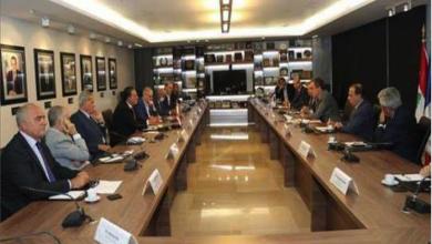 Photo of دو ريكولفيس من غرفة بيروت: أمام لبنان 3 استحقاقات تشكيل حكومة سريعاً.. انعقاد مؤتمر باريس في ت1 ومؤتمر نهاية العام