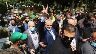 Photo of عباس يرى اتفاق التطبيع الإماراتيّ الصهيونيّ «آخر الخناجر المسمومة التي طعنونا بها» هنيّة من مقبرة مجزرة صبرا وشاتيلا: «إسرائيل» عدوٌّ وستبقى عدوّاً