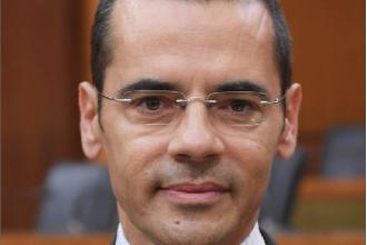 Photo of علامة: مصرف لبنان مستمرّ بدعم الأدوية حتى آخر السنة ولا بدّ من اتخاذ إجراءات صارمة ضدّ المهرّبين