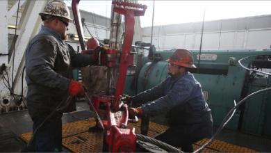 Photo of سحب قاتمة تخيم على سوق النفط وتعديل معايير اتفاق أوبك+ غير وارد