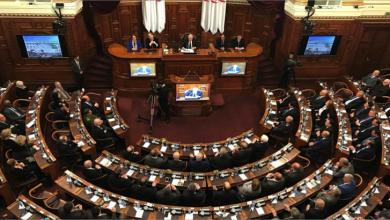 Photo of أحزاب جزائريّة تندّد بلائحة البرلمان الأوروبيّ بشأن حقوق الإنسان في البلاد