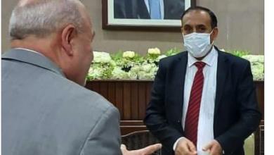 Photo of صبري يصل إلى سورية لتسلّم  مهامه سفيراً لحكومة صنعاء