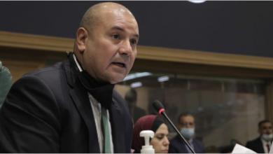 Photo of نائب أردنيّ: أصبحنا متسوّلين..ورئيس البرلمان يعترض