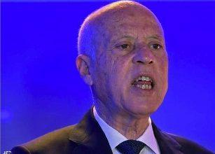 Photo of الرئيس التونسيّ يهاجم «الإسلام السياسيّ» من «الزيتونة»