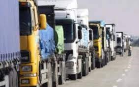 Photo of قرار مفاجئ للسعودية يتسبّب بعدم دخول 400 شاحنة أردنيّة محمّلة بالبضائع لأراضيها