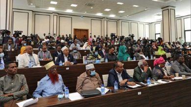 Photo of القادة السياسيّون في الصومال يبرمون اتفاقاً لحل أزمة الانتخابات