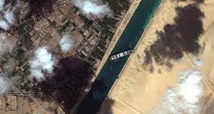Photo of قناة السويس تخفّض تعويضها الماليّ  من شركة السفينة المحتجزة «إيفر غيفن»