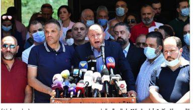 Photo of الإضراب يعمّ المناطق واعتصامات احتجاجاً على تدهور الأوضاع الاقتصادية  الأسمر: إنْ لم تُشَكَّل حكومة إنقاذ سريعاً الفوضى ستكون عارمة