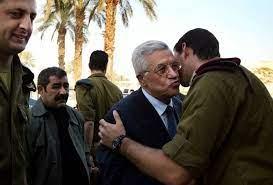 Photo of شهادات لمعتقلين لدى السلطة الفلسطينيّة:  تعرّضنا لتعذيب وشتائم للمقاومة في غزة!